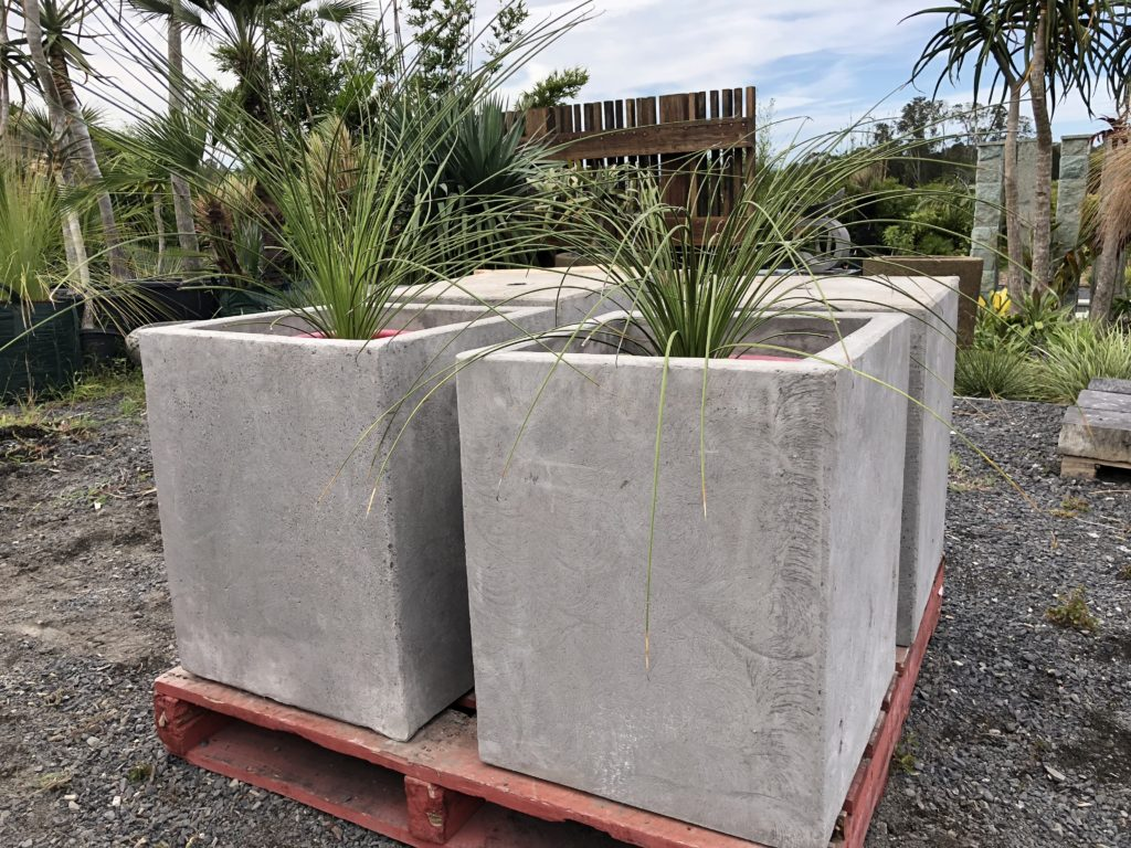 60x60x60cm Concrete planter square